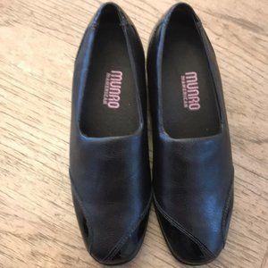 Munro Cheryl Leather Slip On Loafer